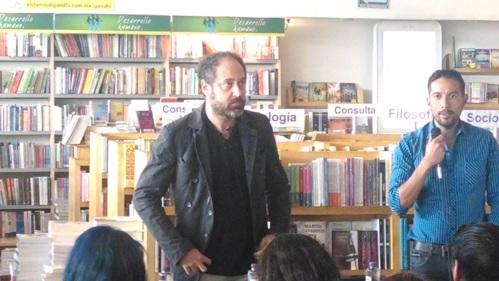 Alejandro Marcovich Firma de Autografos Puebla 1